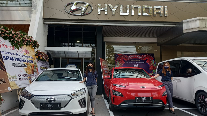 Mobil Masa Depan, Hyundai Ioniq dan Kona